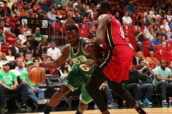 C's fall in Miami, winning streak ends
