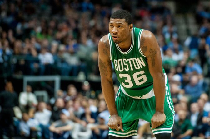 Marcus Smart shines in 4th quarter without Rondo